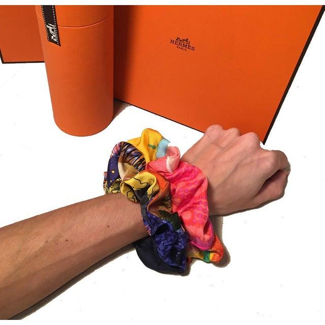2010s Hermes Handmade Vintage Silk Scarf Scrunchie in Orange and Navy Tropical Print For Sale - Image 5 of 13