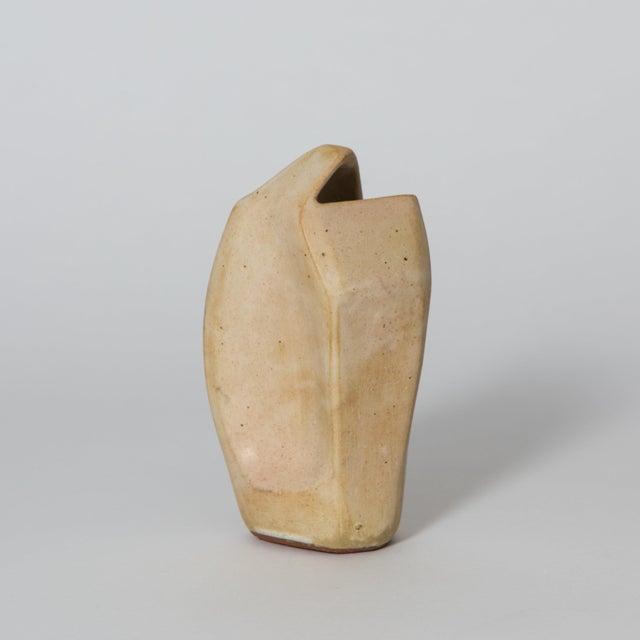 Gabriela Valenzuela-Hirsch Corte Ceramic Vase by Gabriela Valenzuela-Hirsch For Sale - Image 4 of 10