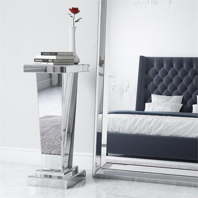 2020s Kenneth Ludwig Chicago The Tapered Mirrored Pedestal For Sale - Image 5 of 6