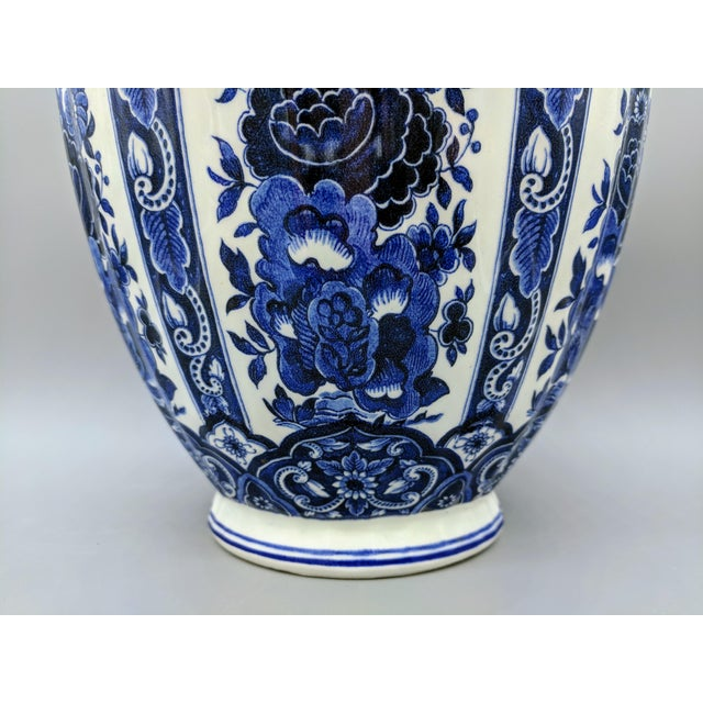 Asian Large 20th Century Italian Blue & White Ardalt Delphia Ginger Jar For Sale - Image 3 of 8