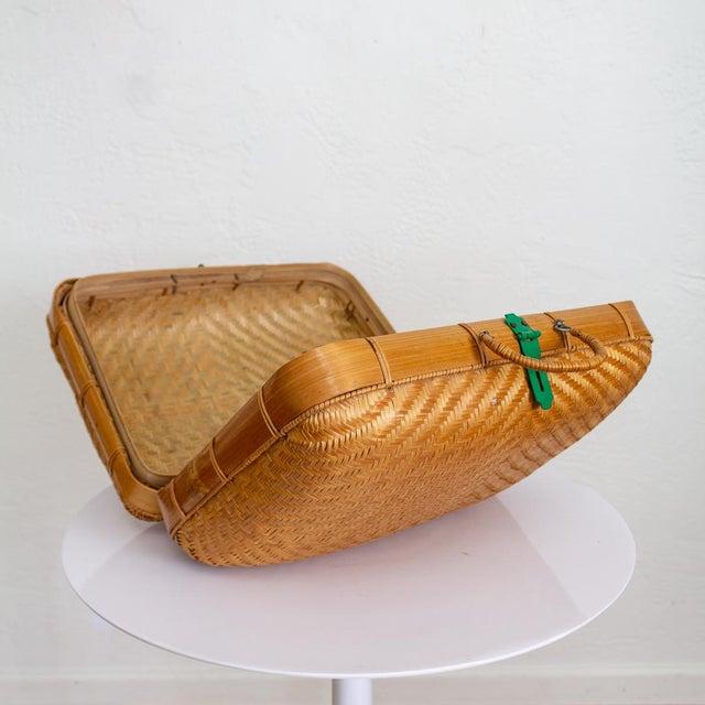 Wood Japanese Bamboo Suitcase Basket Decorative Storage | Mao Period For Sale - Image 7 of 10