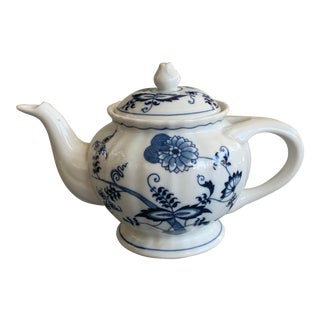 Vintage Blue Danube Japan Blue Onion Teapot For Sale