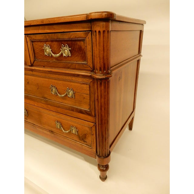 Louis XVI Walnut 19th Century Commode For Sale - Image 4 of 10