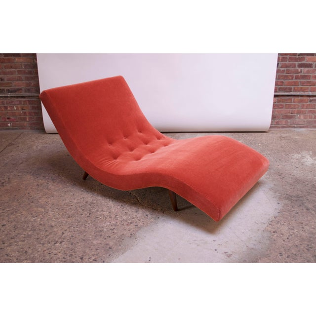 """Mid-Century Modern Adrian Pearsall for Craft Associates """"Wave"""" Chaise Lounge in Coral Mohair For Sale - Image 3 of 13"""