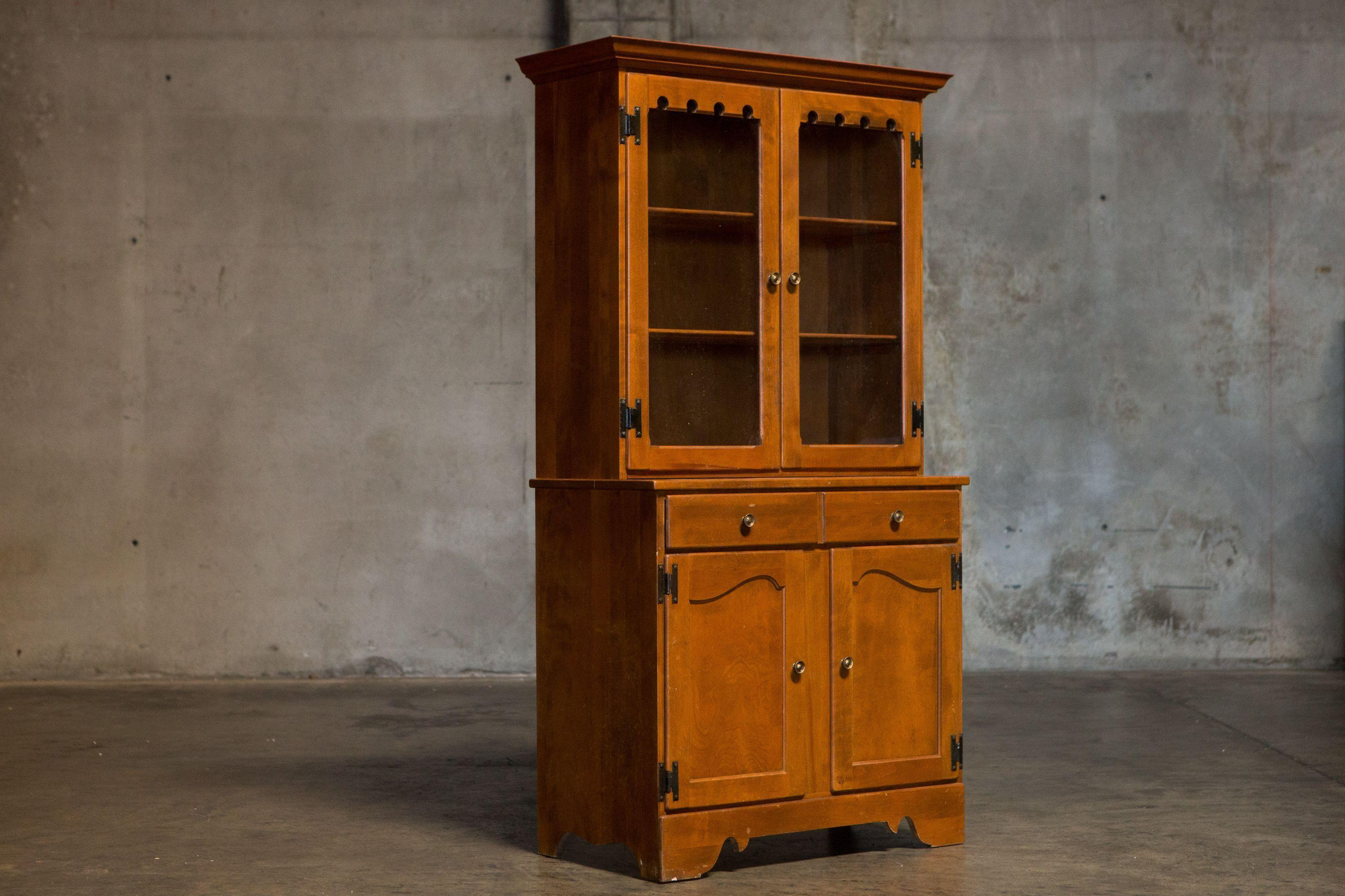 Vintage Ethan Allen China Cabinet / Display Hutch   Image 4 Of 6
