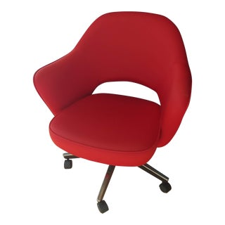 Mid-Century Modern Saarinen Executive Series Arm Chair, Casters, Pneumatic Height Adjustment For Sale