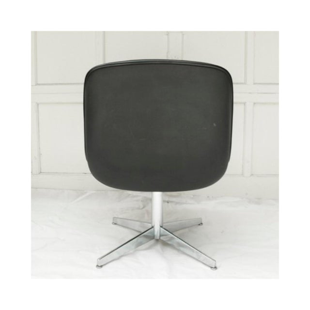 Mid-Century Modern Charles Pollock Style Executive Chair by Steelcase - Image 4 of 5