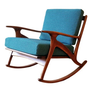 Newly-Upholstered Italian Mid-Century Modern Rocking Chair For Sale