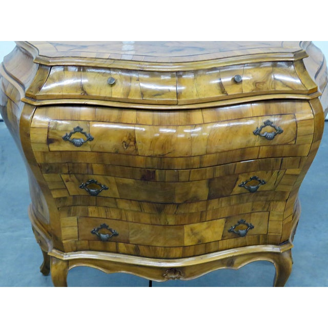 Italian olivewood Louis XV style 5 drawer commode. Early 20th Century.