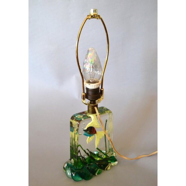 Metal Gino Cenedese Murano Glass Table Lamp & Shade With Fish and Seaweed, Italy 1950 For Sale - Image 7 of 13