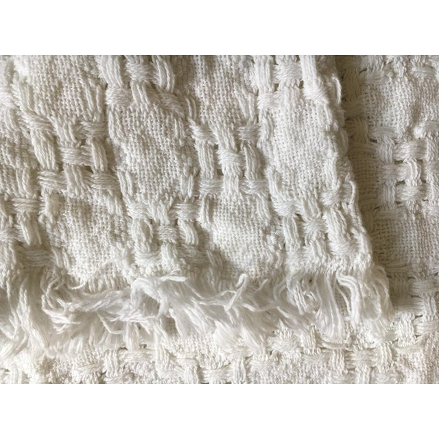 Handwoven White Basketweave Throw - Image 3 of 4