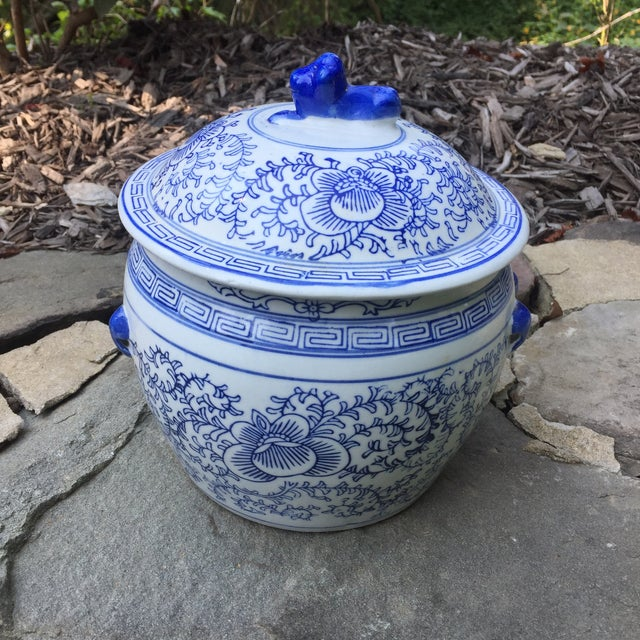 Blue White Chinese Foo Dog Covered Ginger Jar For Sale - Image 4 of 8