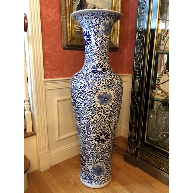 Vintage Chinese Blue And White Porcelain Palace Floor Vase