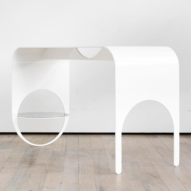 The Thin 2 is the embodiment of subtlety with its smooth, bent steel frame and whisper touch to the floor. The hovering...