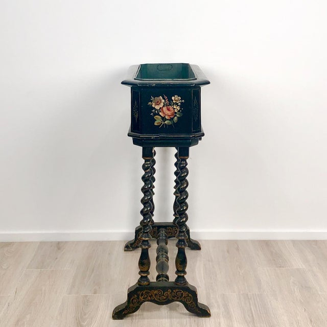 Late 19th Century 19th Century Lacquer and Painted Planter, Circa 1890 For Sale - Image 5 of 6
