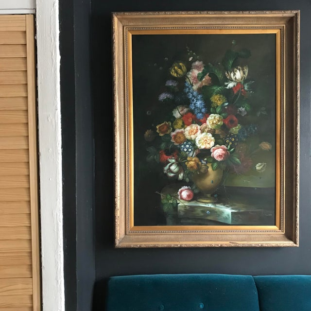 Beautiful vintage oil on canvas painting by artist Nancy Lee, set in an antique Luis guilt frame. This still -life...