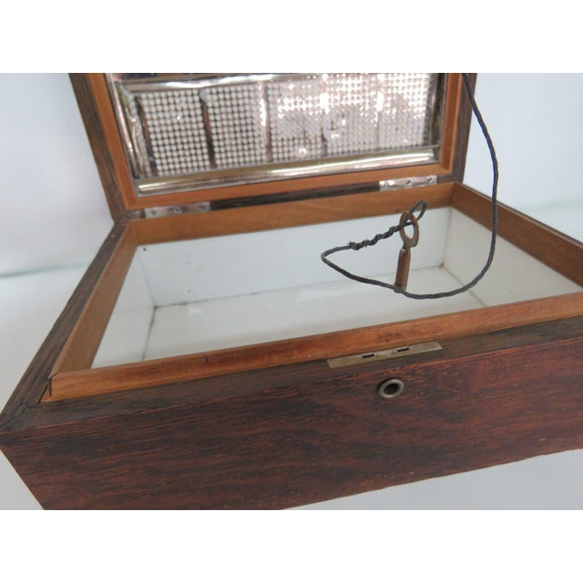 Early 1900s Oak Tabletop Cigar Tobacco Humidor Chest Box For Sale In Miami - Image 6 of 11
