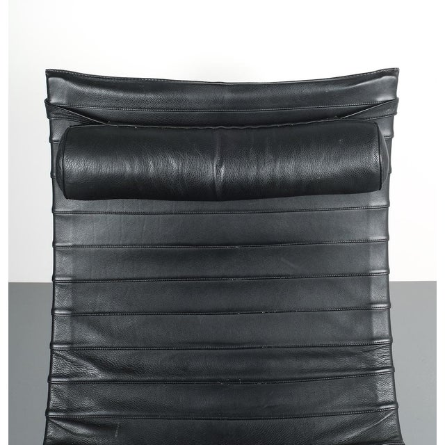 Poul Kjærholm Early Fritz Hansen Pk20 Lounge Chair in Black Leather, 1987 For Sale - Image 10 of 12