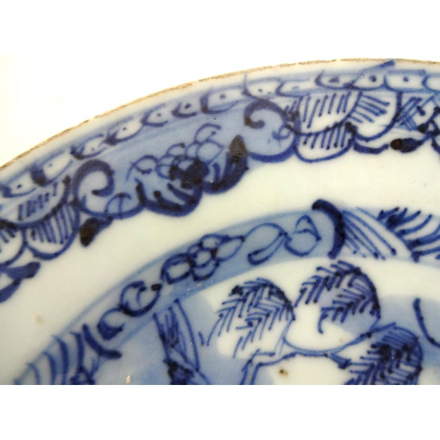 Antique 18th-Centry Kangxi Chinese Export Porcelain Blue Underglaze and White Plates - a Pair For Sale - Image 9 of 12