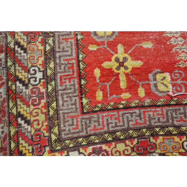 1900 - 1909 Vintage Hand Knotted Khotan Circa 1900 - 4′9″ × 9′ For Sale - Image 5 of 7