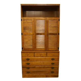"20th Century Early American Ethan Allen Heirloom Nutmeg Maple CRP 40"" Chest For Sale"