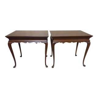 20th Century English Traditional Pennsylvania House End Tables - a Pair For Sale