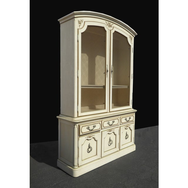 Thomasville French Country Carved Off-White Hutch - Image 4 of 11