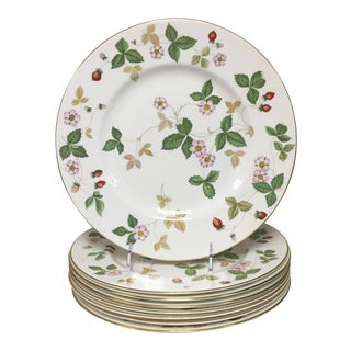 Wedgwood Wild Strawberry Dinner Plates - Set of 8 For Sale