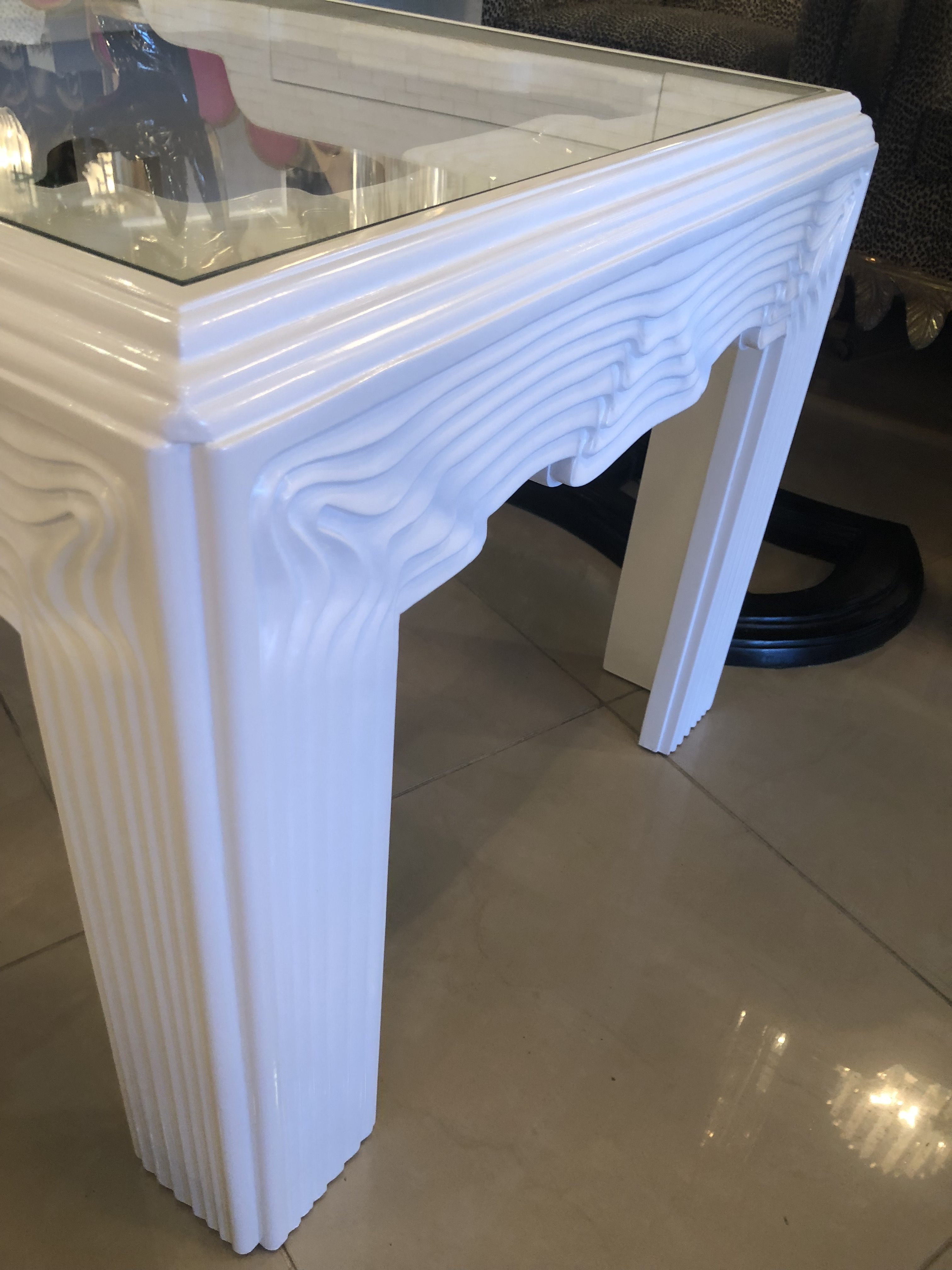 Vintage Modern White Lacquered Wavy End Side Tables  A Pair   Image 5 Of 12