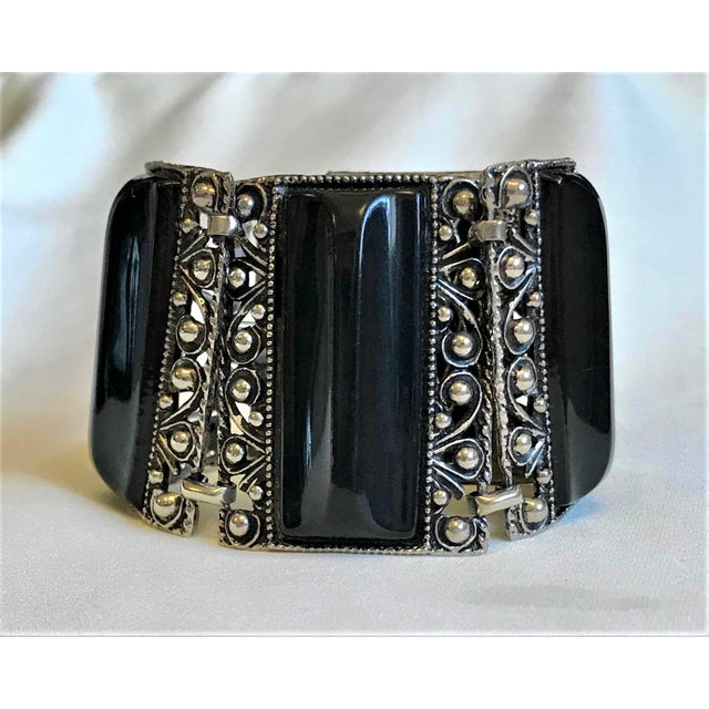 Metal 1950s Silver Tone & Black Thermoset Lucite Bracelet For Sale - Image 7 of 7