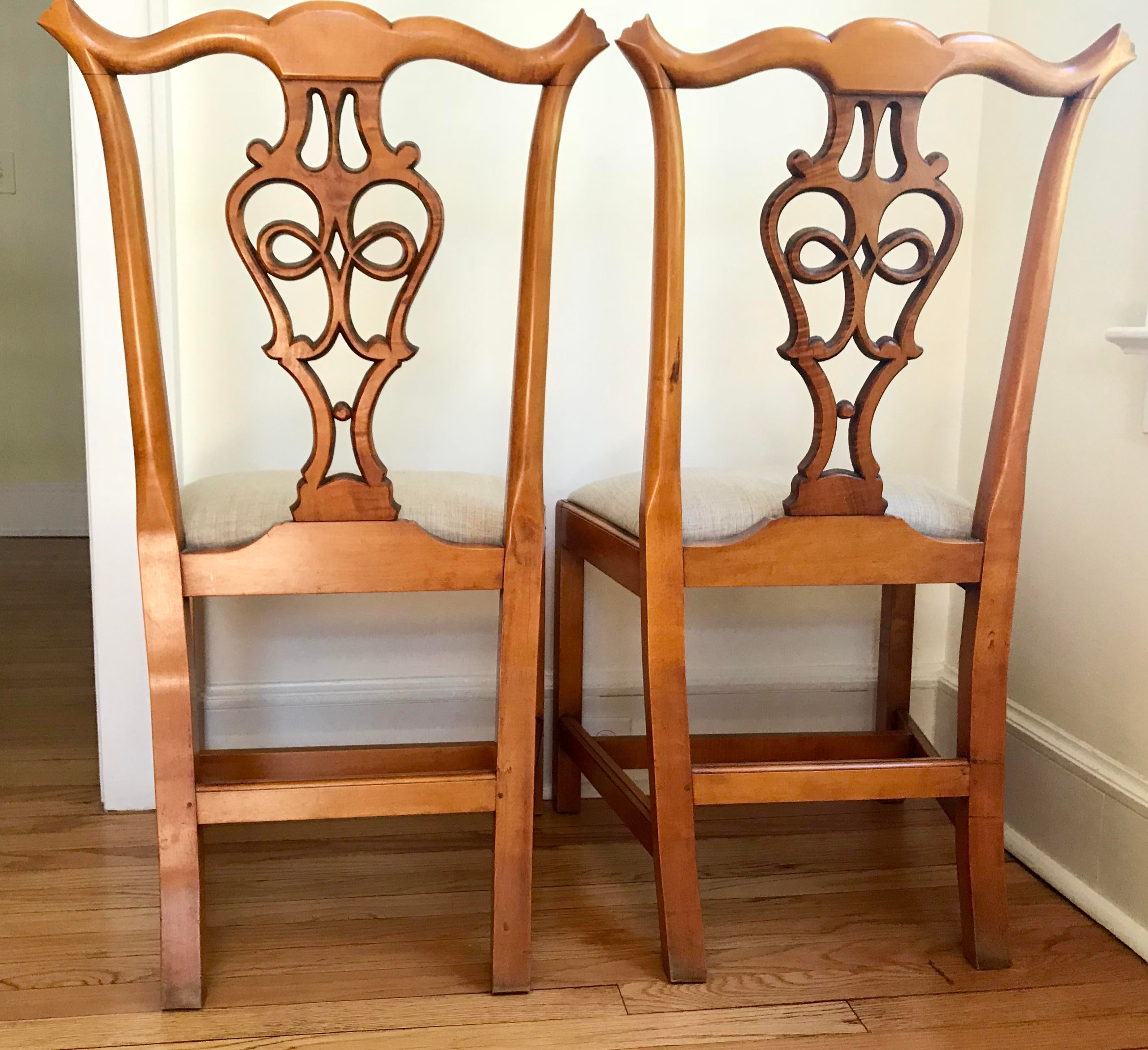 Eldred Wheeler Chippendale Side Chairs Tiger Maple   A Pair For Sale In New  York