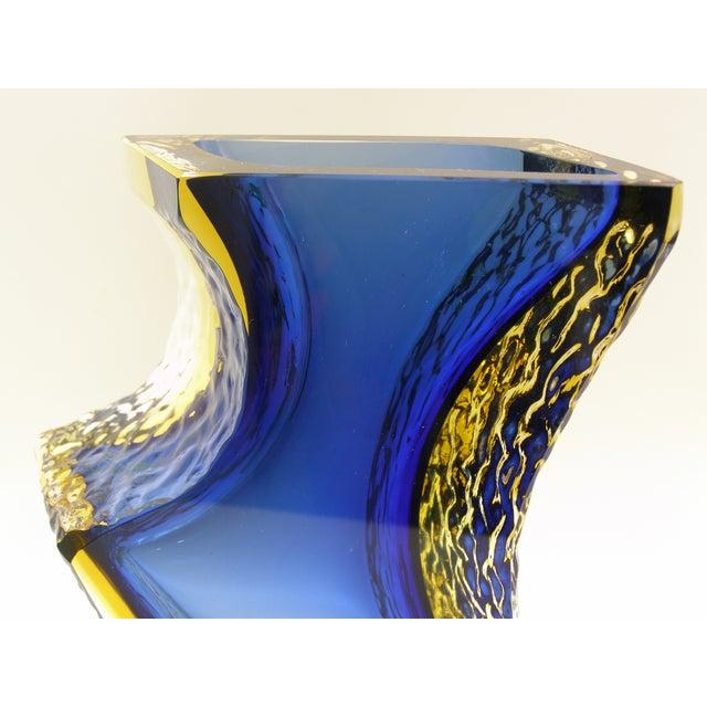 Large Italian Mandruzzato Murano Blue & Yellow Glass Sommerso Vase Mid-Century Modern MCM Campanella - Image 7 of 11