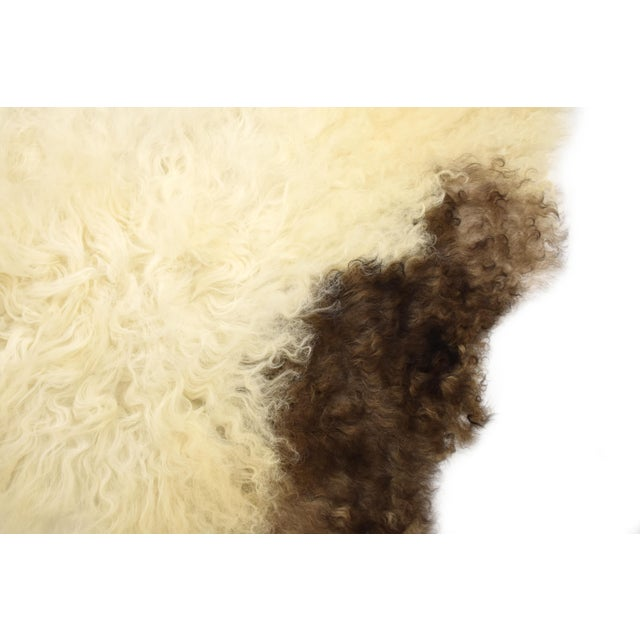 "Unique Handmade Beige Brown Wool Sheepskin Rug, Seat Cushion - 2'7"" X 4'3"" - Image 4 of 8"