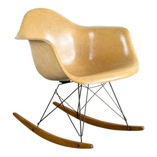 All-Original Eames Herman Miller Rar Rocking Chair For Sale