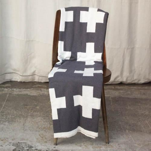 Modern Swiss Cross Organic Cotton Throw For Sale - Image 3 of 5