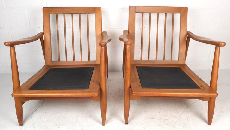 Mid Century Modern Maple And Vinyl Lounge Chairs   A Pair   Image 6 Of