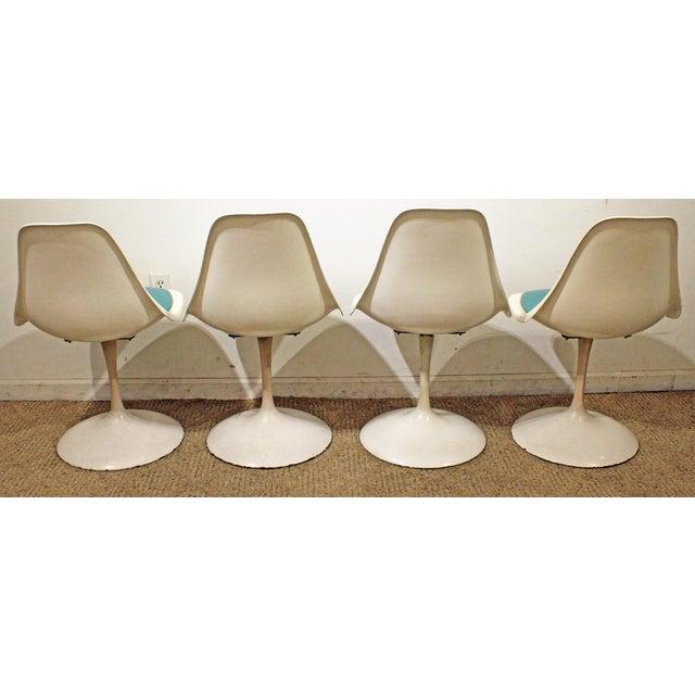 Mid-Century Modern Eero Saarinen-Style Tulip Dining Set 4 Chairs & Table For Sale In Philadelphia - Image 6 of 11