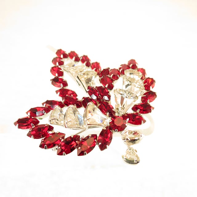 Vendome Ruby Crystal Leaf Brooch 1950s For Sale In Los Angeles - Image 6 of 12