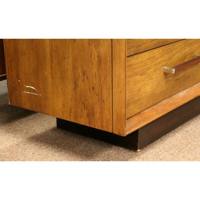 Mid-Century Modern Mid Century Modern Lane Rosewood Bedroom Set Dresser Headboard Cabinet - Set of 6 For Sale - Image 3 of 13