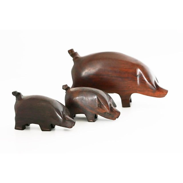 """Contemporary Hand Carved """"These Three Little Pigs Went to the Market"""" Statues- Set of 3 For Sale - Image 3 of 6"""