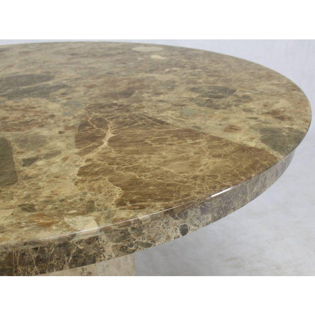Mid-Century Modern Round Marble Dining Table For Sale In New York - Image 6 of 9