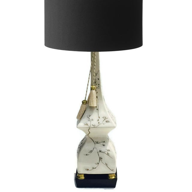 Mid-Century Pagoda Lamp Chinoiserie Table Lamp - Image 9 of 11
