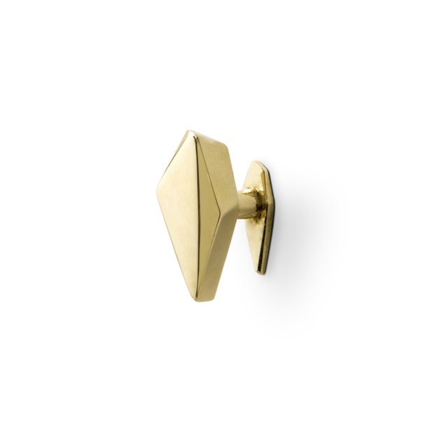 DESCRIPTION The world of diamonds was the key factor that led us to our furniture drawer handle Karat. Is extravagant in...