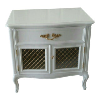 Henredon French Provincial Wire Mesh Doors 1 Drawer White Nightstand For Sale