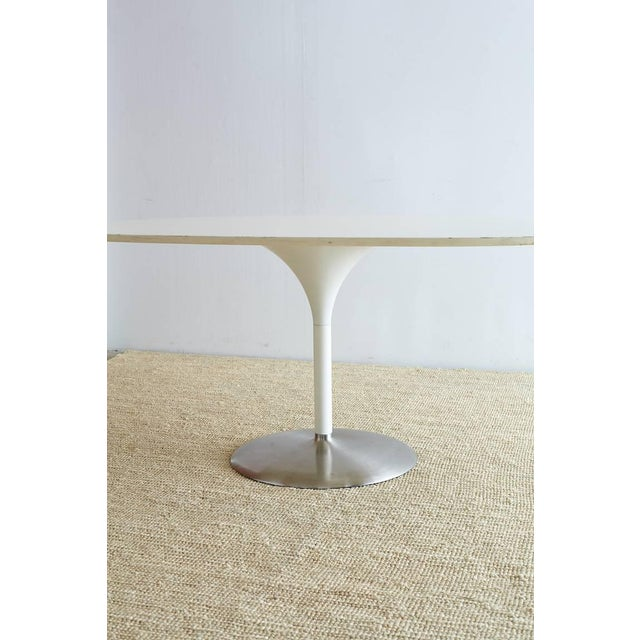 Contemporary Eero Saarinen Oval Tulip Table For Sale In San Francisco - Image 6 of 13