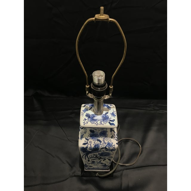 1990s Chinoirserie Blue and White Ceramic Table Lamp For Sale - Image 11 of 13
