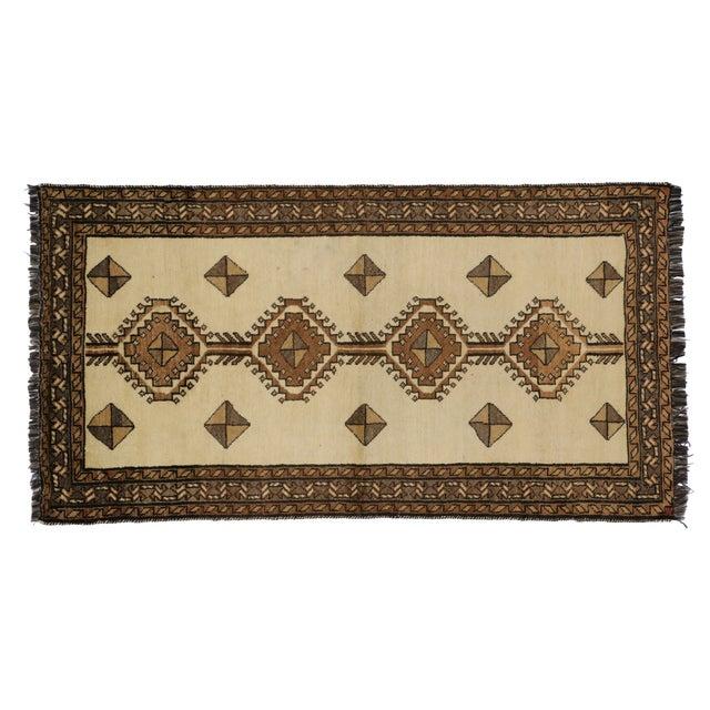 "Vintage Persian Shiraz Rug - 3'5"" x 6'9"" For Sale"