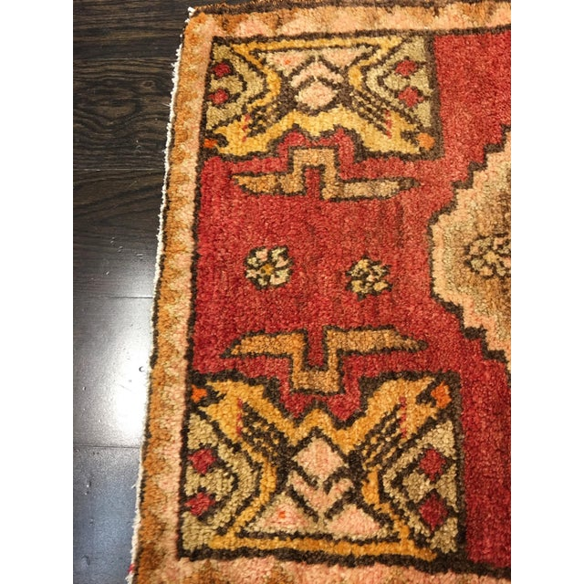 """Small Welcome Mat Size Vintage Turkish Anatolian Rug - 1'10""""x2'8"""" - Image 6 of 6"""