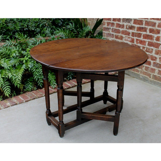 Late 19th Century Antique English Traditional Oak Table Drop Leaf Gate Leg Farmhouse Sofa Table For Sale - Image 5 of 13