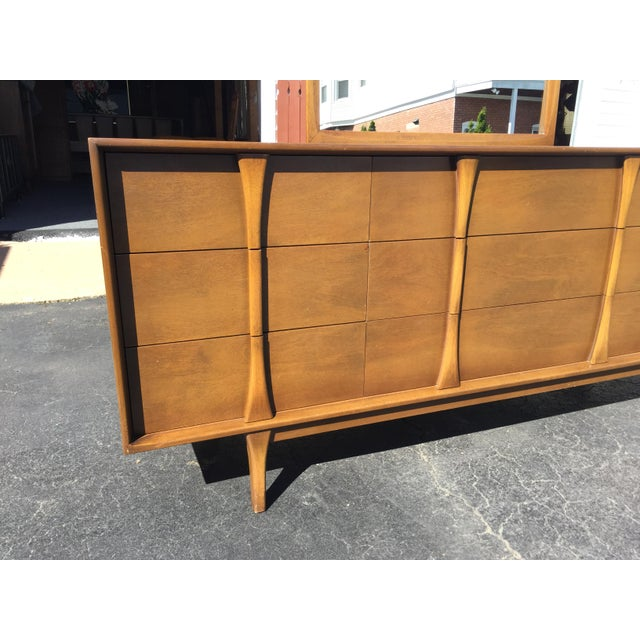 Red Lion Co Mid-Century Dresser & Mirror For Sale In New York - Image 6 of 9